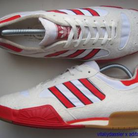 adidas Volleyball vintage 80s West Germany grey red